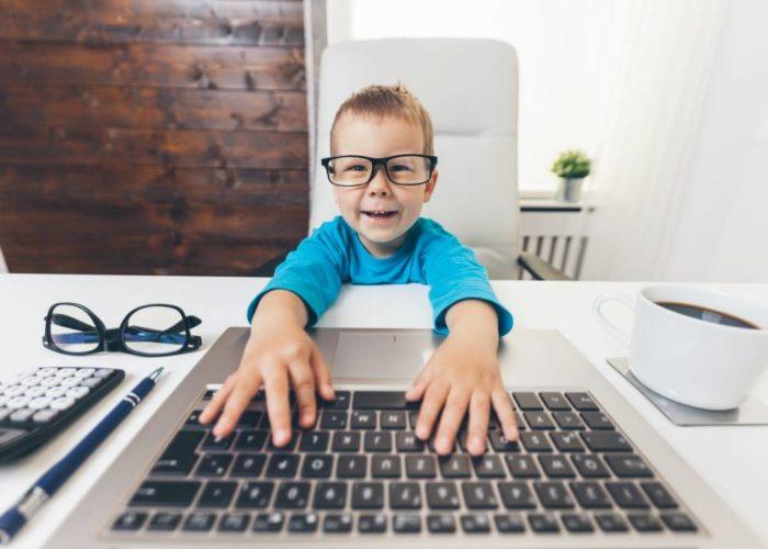 Cum alegi ochelarii de vedere potriviti pentru copilul tau?